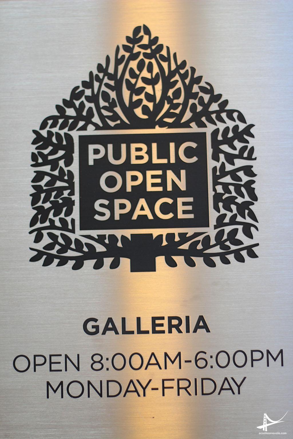 Placa referenciando o espaço aberto ao público