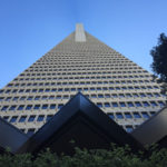 Transmerica Pyramid vista de baixo