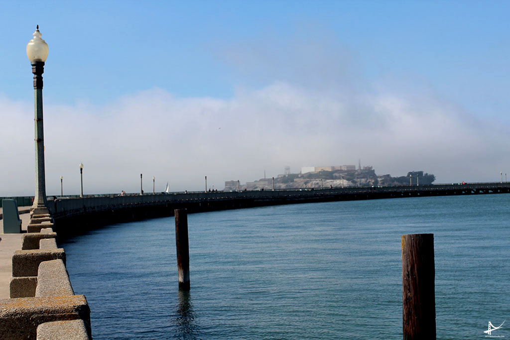 Pier Municipal - San Francisco com Alcatraz ao fundo