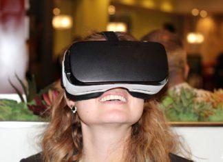Testando os óculos de realidade virtual