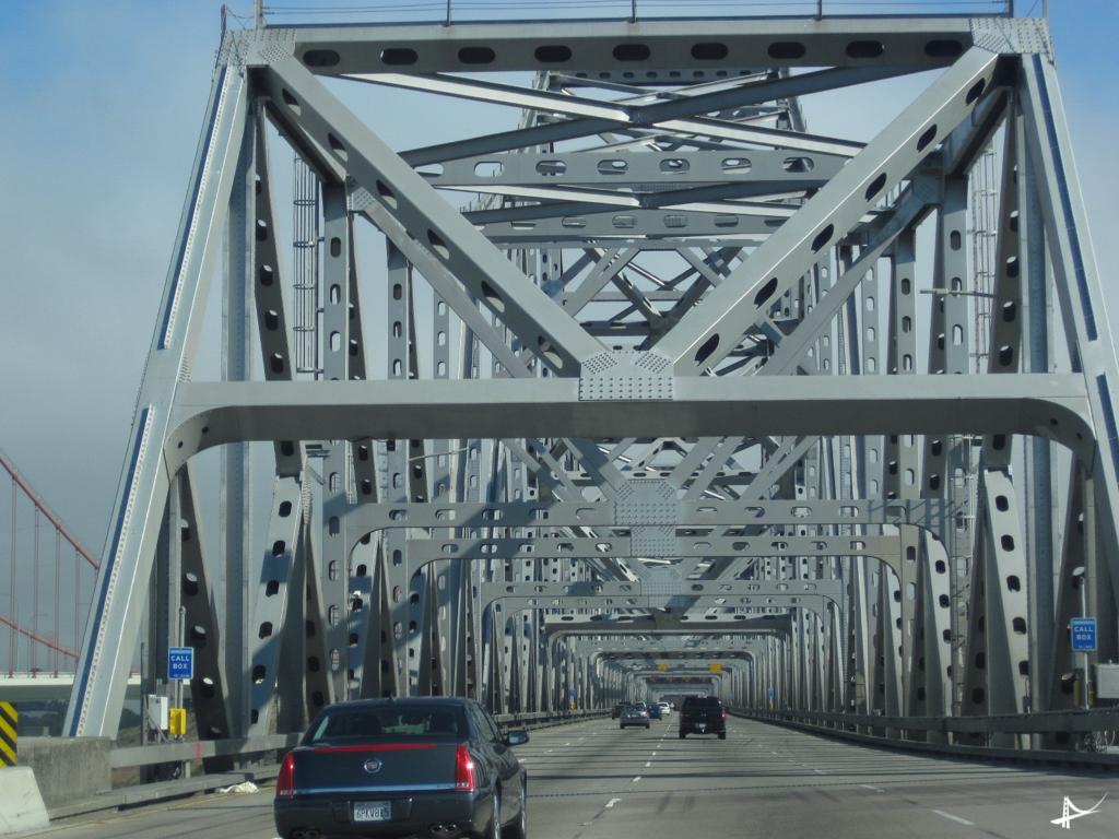 Passando de carro pela Bay Bridge