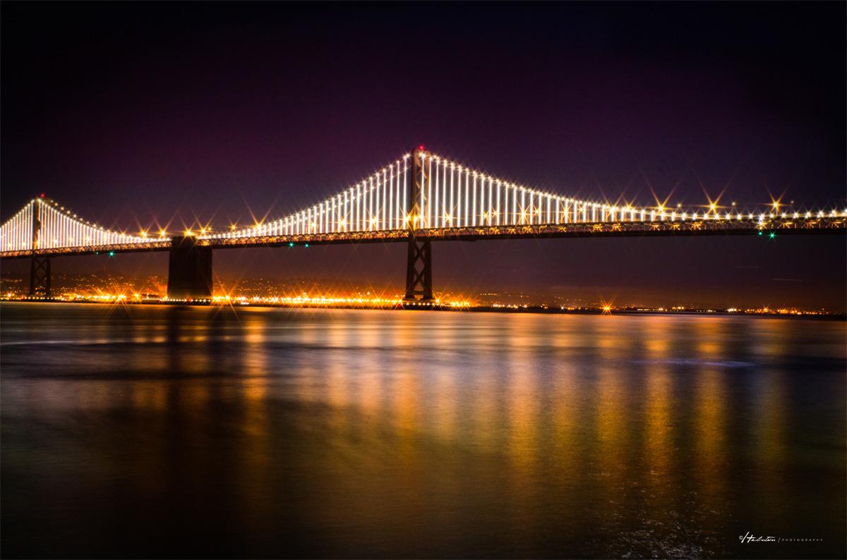 Bay Bridge iluminada
