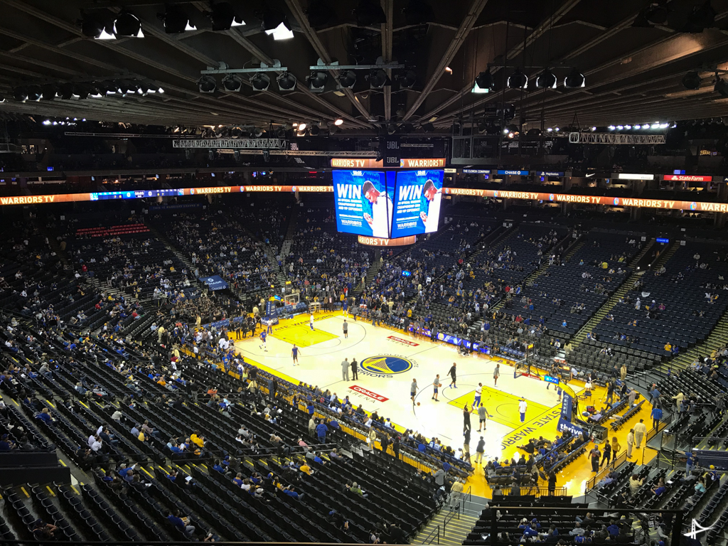 Jogo do Warriors na Oracle Arena