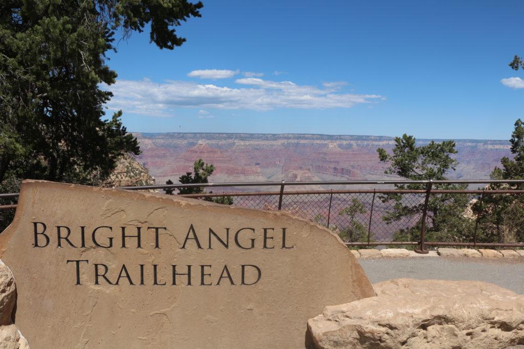 Bright Angel Trailhead no Grand Canyon