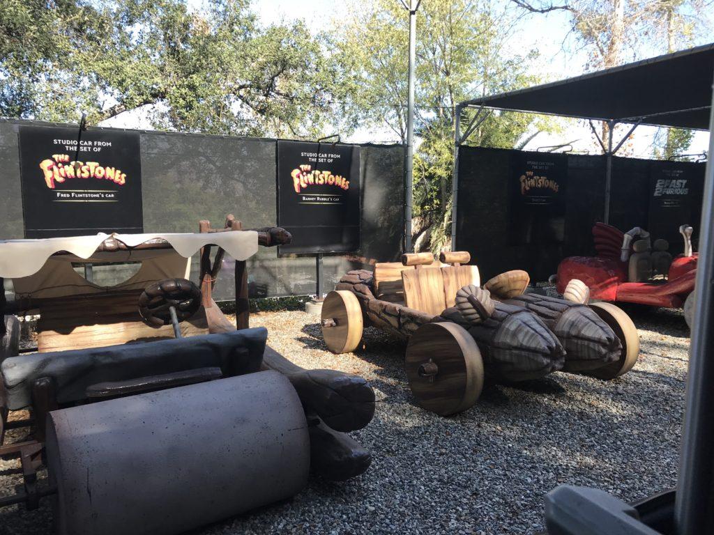 Carros utilizados no filme dos Flintstones durante o tour