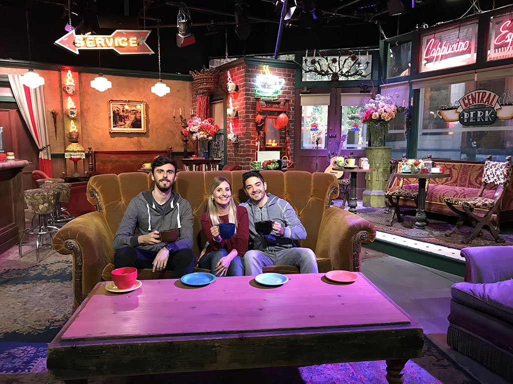 Central Perk sofa Warner