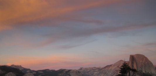 Half Dome no por do sol