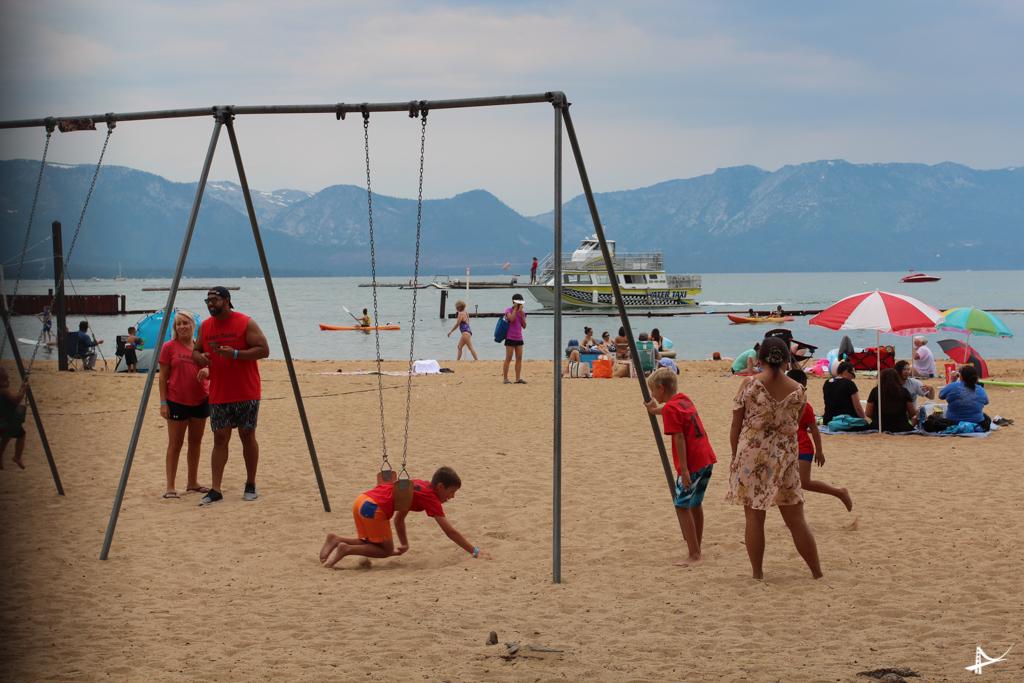Praia no Sul de Lake Tahoe