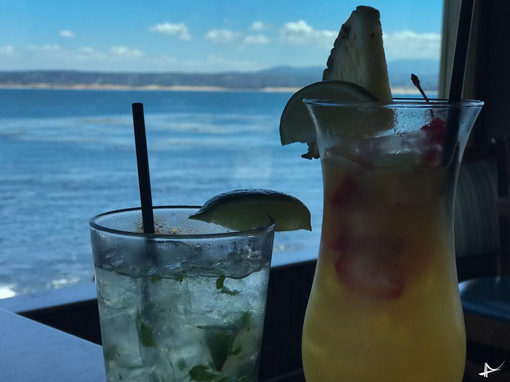 Drinks com vistas lindas de Monterey